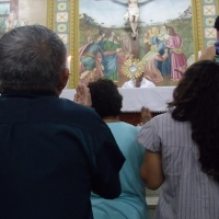 Missa e Adoração ao Santíssimo no Santuário Frei Galvão