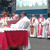 Cardeal Arcebispo Dom Raymundo Damasceno Assis celebra Eucaristia na Festa do Povo de Deus